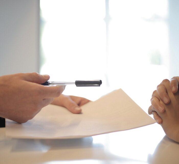 Cum să vă feriți de fraudele cu facturi?