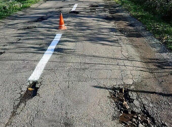 Conducerea CJ Arad somată să repare în regim de urgență 6 drumuri județene